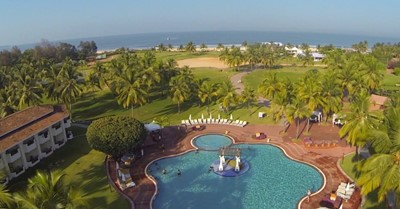 How much does a destination wedding at the Holiday Inn, Goa cost?
